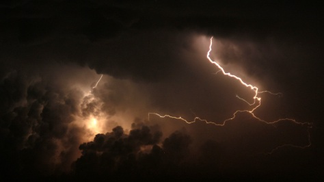 light-cloud-sky-night-atmosphere-natural-weather-storm-darkness-night-sky-lightning-thunder-thunderstorm-lightning-storm-thunderbolt-590484.jpg